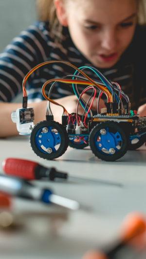 Robotica, discipline STEM e attività interattive: tutti a scuola con PRISMA